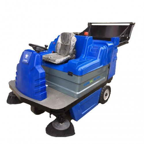 Cleanvac BS1850 Akülü Yol Süpürme Aracı
